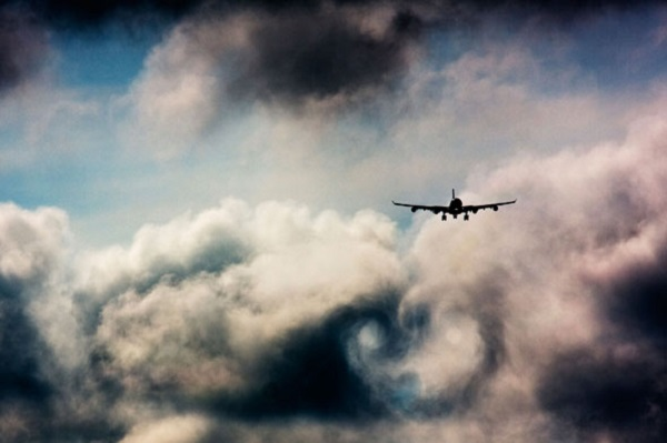 flight-storm-clouds-turbulence